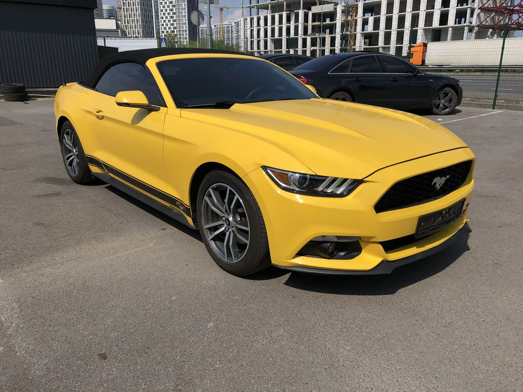 Аренда Ford Mustang yellow
